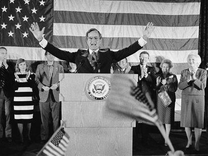 George H. W. Bush, en una imagen de 1984. En vídeo, un resumen de la vida del expresidente.