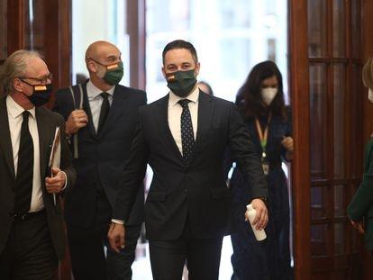 Santiago Abascal, protegido con mascarilla, a su llegada al pleno del Congreso del pasado miércoles.