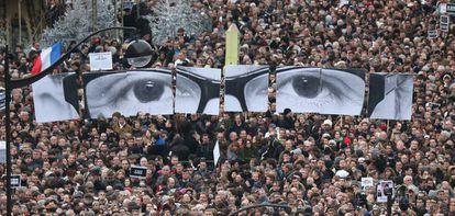 Manifestación de protesta en París el 11 de enero de 2015, cuatro días después del atentado contra la revista satírica Charlie Hebdo.