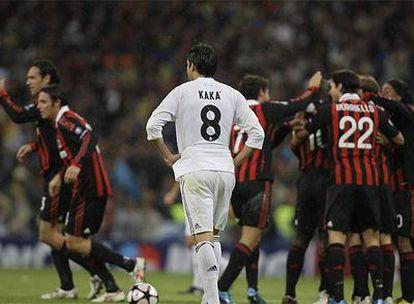 Kaká se lamenta de un gol del Milan ante sus ex compañeros.