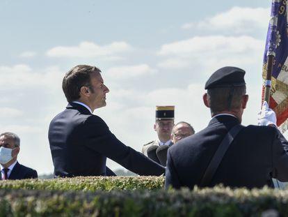 Emmanuel Macron invoca a De Gaulle en La-Ville-aux-Bois-les-Dizy