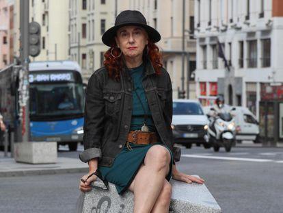 Patricia Godes, periodista y crítica musical en la Gran Vía.