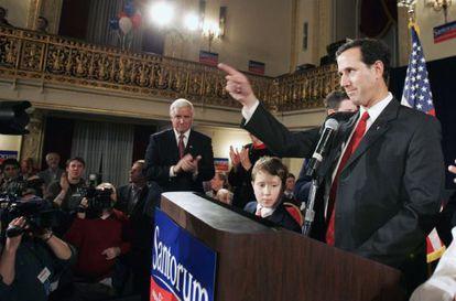 El candidato Rick Santorum al comienzo de uno de sus discursos de campaña en Pittsburgh, Pennsylvania