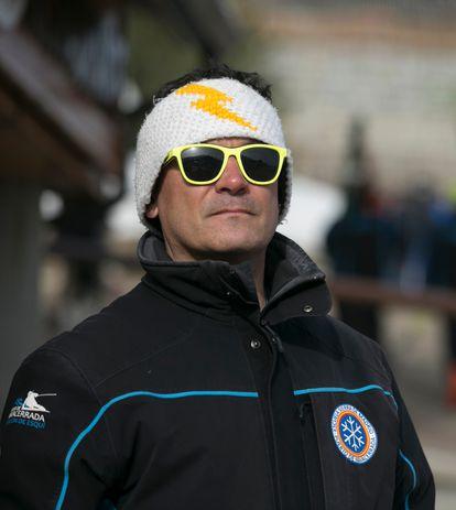 Rodrigo del Pozo, que lleva 23 años ejerciendo de profesor de esquí en Navacerrada.