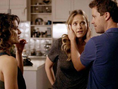 Fotograma de la serie 'Tú, yo y ella', en Netflix.