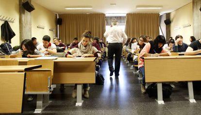 Una clase en la Universidad Complutense de Madrid.