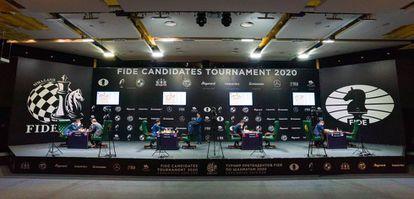 Vista general de la sala de juego, sin público, del Torneo de Candidatos en Yekaterimburgo