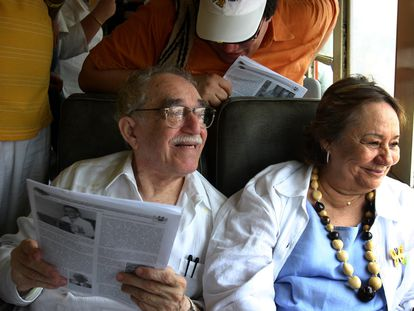 Gabriel García Márquez y su esposa, Mercedes Barcha, en Santa Marta, Colombia.
