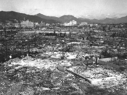 Hiroshima, devastada tras la caída de la bomba atómica hace 75 años.