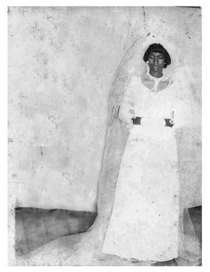 Vitalina Varela en 1980 en el día de su solitaria boda en Cabo Verde.