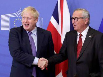 Los Veintisiete aprueban el nuevo documento en una cumbre europea, mientras Boris Johnson afronta este sábado en el Parlamento británico la ratificación del pacto sin tener la mayoría asegurada