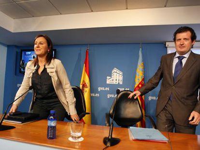 María José Català, exconsejera de Educación, junto al exvicepresidente del Consell, José Císcar.