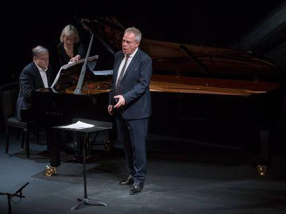 Julius Drake y Christoph Prégardien durante su interpretación de canciones de Franz Schubert en la primera parte de su recital.