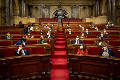 Vista general del pleno del Parlamento de Cataluña , el pasado 13 de mayo, en Barcelona.
