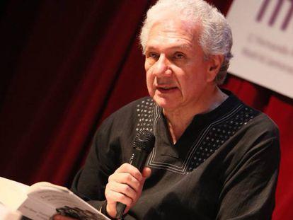 Darío Villamizar en la presentación de su libro en la sede social de Podemos en Madrid, La Morada.