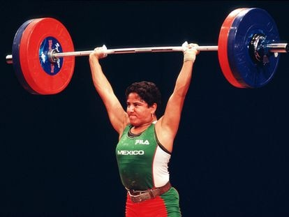 Soraya Jiménez conseguía medalla de oro en halterofilia en los Juegos Olímpicos de Sídney 2000.