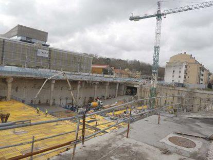 Estado de las obras de la futura estación de autobuses de San Sebastián, que estará lista para finales de 2015.