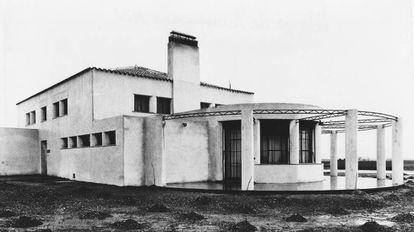El comedor de los albergues era un salón semicircular con vistas al paisaje.