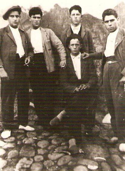 Grupo de los cinco ejecutados en la madrugada del 7 de agosto de 1936.