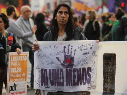 Manifestantes piden en Buenos Aires en agosto de 2016 la liberación de Belén cuando llevaba más de dos años presa por aborto.