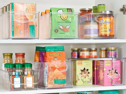 Las cajas y fiambreras son artículos imprescindibles para poner en orden la despensa.