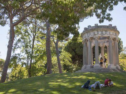 Jardines históricos del parque de El Capricho.