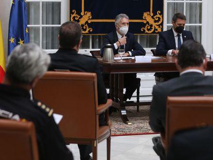 Marlaska preside la reunión de seguridad de la Eurocopa celebrada en Sevilla.