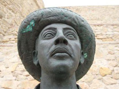 La ciudad autónoma arguye que el monumento al dictador no incumple la ley