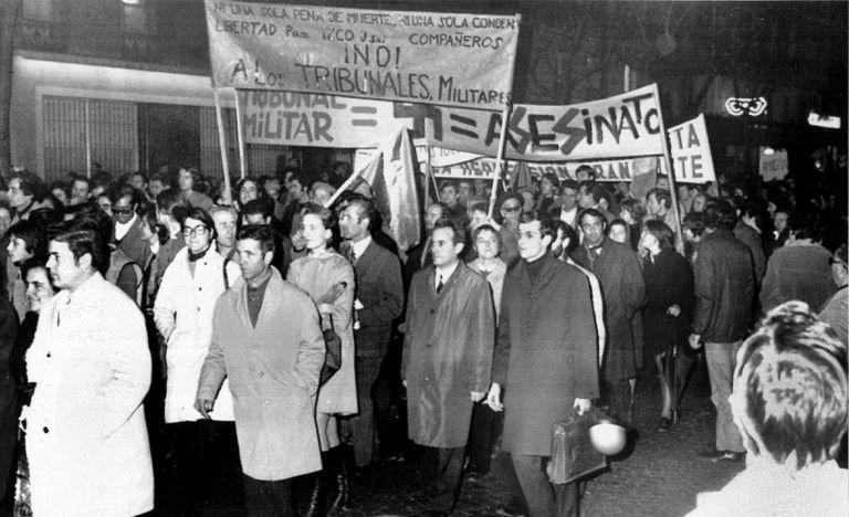 Manifestación en París contra el proceso de Burgos, en 1970.