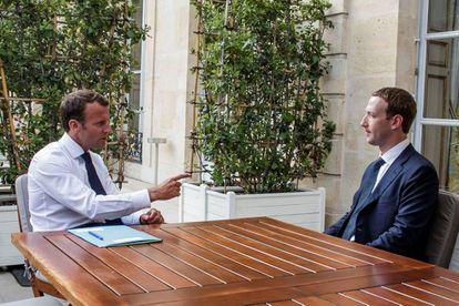 El presidente francés, Emmanuel Macron, y el fundador de Facebook, Mark Zuckerberg en el Elíseo