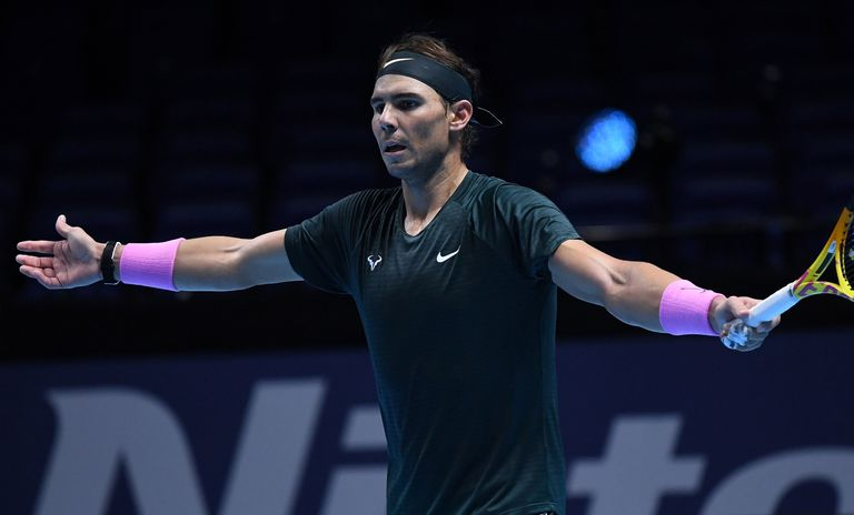 Nadal protests after a video arbitration decision, this Tuesday in London.