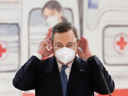 El primer ministro italiano, Mario Draghi, durante su discurso del viernes en un centro de vacunación en el aeropuerto de Fiumicino.
