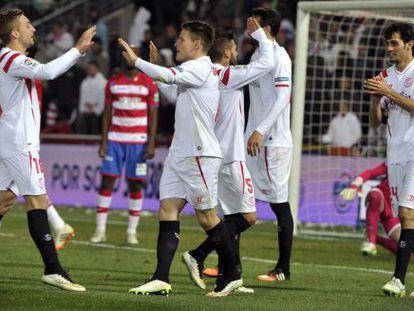 Deulofeu y Gameiro, los autores de los goles del Sevilla.