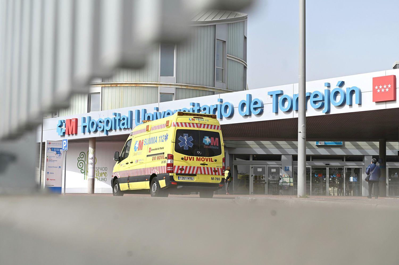 El hospital de Torrejón, donde este jueves dos pacientes dieron positivo por coronavirus y quedaron ingresados.