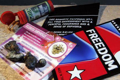 Sustancias que imitan los efectos de drogas prohibidas, adquiridas por este periódico en tiendas de Madrid.