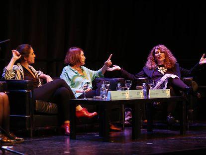 La ilustradora Lola Vendetta y las escritoras Clara Usón y Gioconda Belli, en la mesa redonda sobre feminismo en el Festival Eñe.