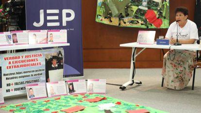 Madres de falsos positivos, víctimas de ejecuciones extrajudiciales a manos del Ejército colombiano, hablaron en tribunal de paz