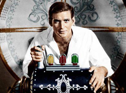 Rod Taylor, a los mandos de la máquina del tiempo más 'vintage', en 'El tiempo en sus manos'.