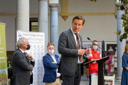 El alcalde de Granada, Luis Salvador, en un acto institucional este martes en el Ayuntamiento.