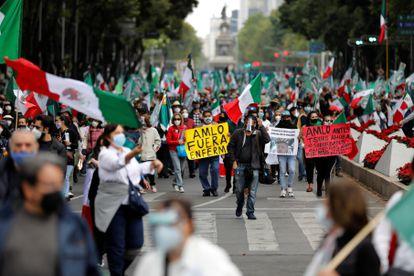 Protesta contra el presidente Andrés Manuel López Obrador, en Ciudad de México.