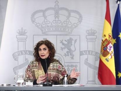 La ministra portavoz y de Hacienda, María Jesús Montero, durante una rueda de prensa posterior al Consejo de Ministros, este martes en Madrid.