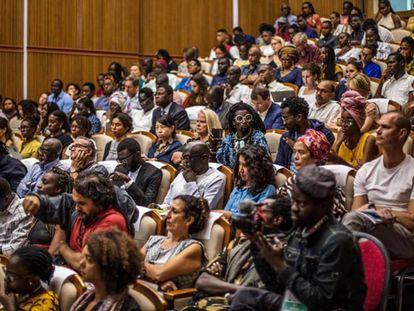 Parte del público asistente a Los Talleres del Pensamiento en Dakar.