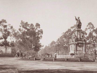 Monumento a Cristóbal Colón, creado por el artista Charles Cordier en 1877.