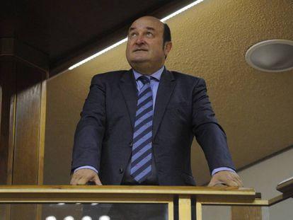 Andoni Ortuzar, presidente del PNV, esta semana en un pleno del Parlamento vasco.