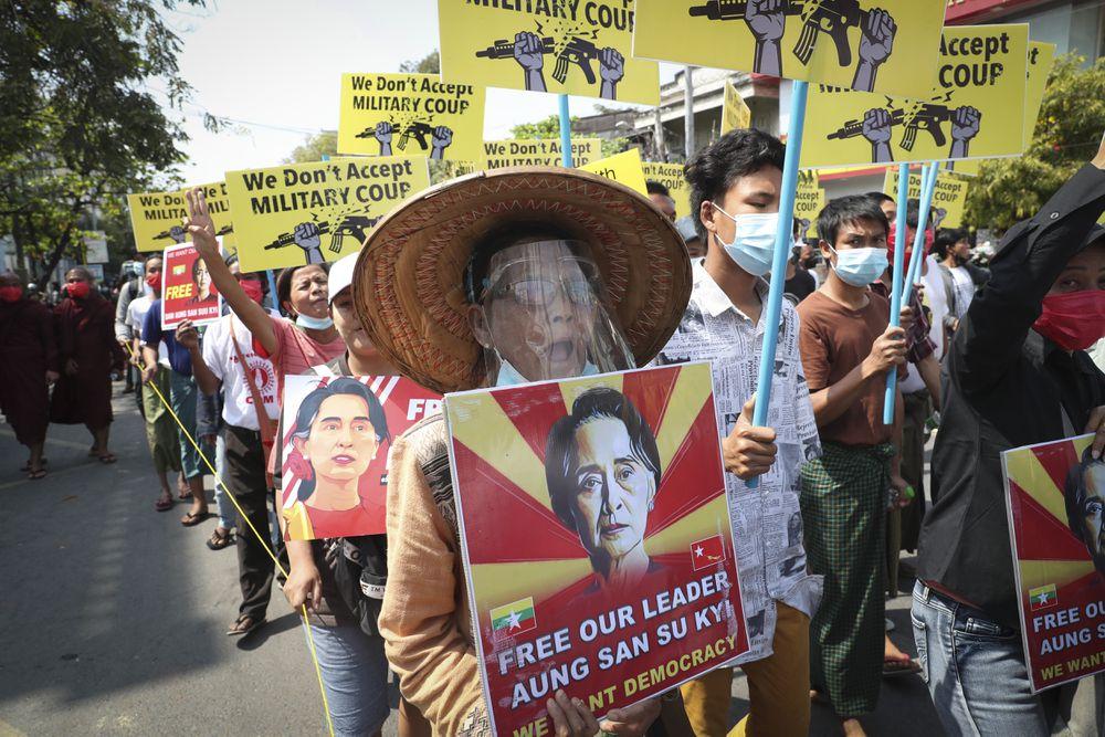 Un tribunal de Myanmar acusa a Aung San Suu Kyi de incitar al desorden público