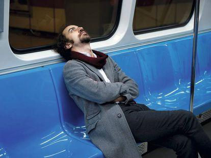 Evita pulsar el botón de emergencia en el metro cuando se acerquen los músicos.