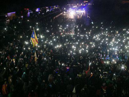 El desalojo de los manifestantes del corte en La Jonquera, en imágenes
