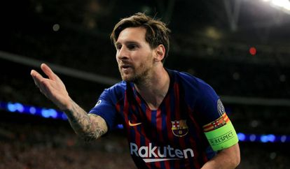 Messi celebra un gol en Wembley.