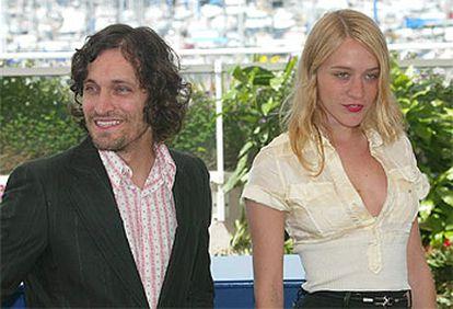 Vincent Gallo y Chloe Sevigny, director y protagonista de <i>The brown bunny,</i> en Cannes.