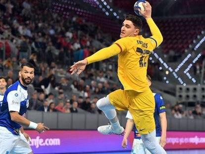 Ludovic Fabregas lanza a portería durante la final en Madrid.